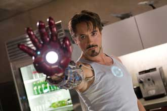 Robert Downey Jr. nei panni di Tony Stark / Iron Man